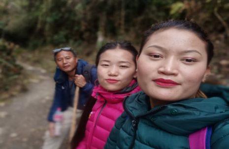 Ghorepani Trekkers, Shanti, Rashmi, Nanda